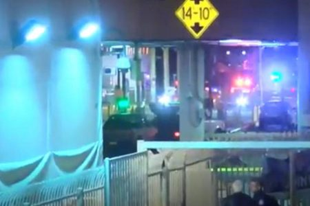 Customs officer shoots, kills driver at Nogales, Arizona port of entry on U.S.-Mexico border – CBS News