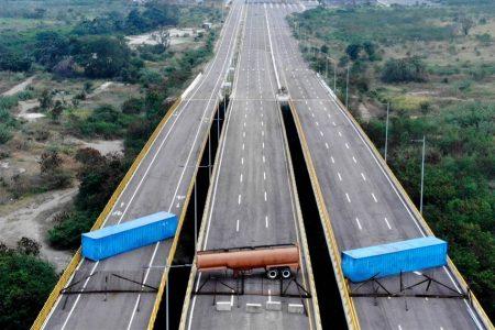 Hungry Venezuelans seek food at Colombian border, as Maduro blocks entry of supplies – NBCNews.com
