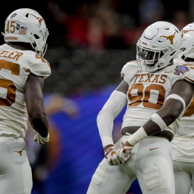 Texas DL Charles Omenihu adds up for Miami – Dolphins Wire