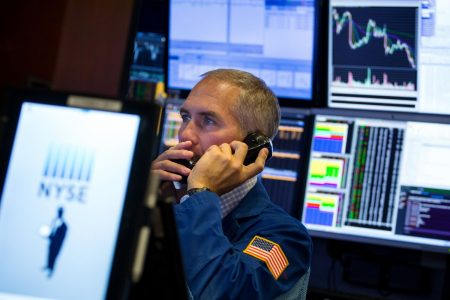 Stocks making the biggest moves midday: Boeing, Dick's, Stitch Fix & more – CNBC