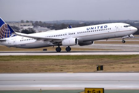 United flight declares emergency as engine shuts down in descent into Houston – CNBC