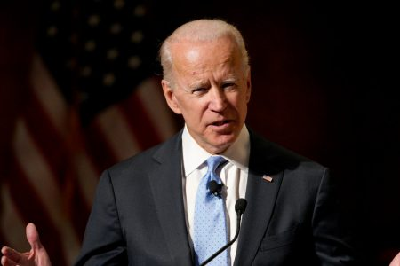 Biden and Sanders Lead the 2020 Field in Iowa, Poll Finds – The New York Times