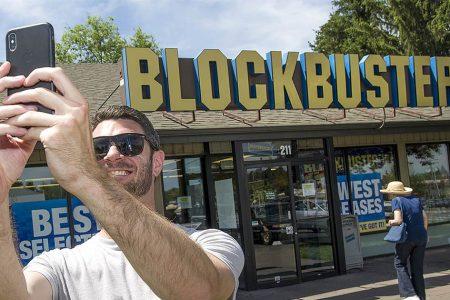 Oregon city will have last Blockbuster store in world – NBCNews.com