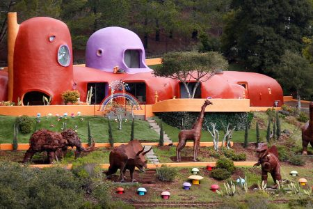 Meet the Flintstone House, a Home So Odd It Was Declared a 'Public Nuisance' – The New York Times