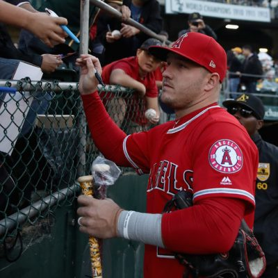 For a Mike Trout, M.L.B. Flaunts Its Wealth. Average Players Reap Austerity – The New York Times