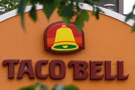 Man, dog survive 5 days in Oregon snow: 'Taco Bell fire sauce saves lives!' – USA TODAY