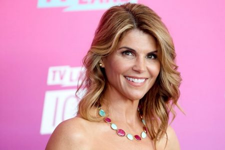 Lori Loughlin in FBI custody, to face college bribery scandal charges in court – Fox News