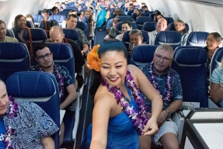 Southwest Airlines launches Hawaii service from Oakland to Honolulu with new snacks, in-flight hula dancing – USA TODAY