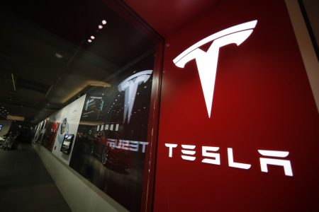 Tesla sinks after analysts were underwhelmed by the long-awaited Model Y unveiling (TSLA) – Business Insider