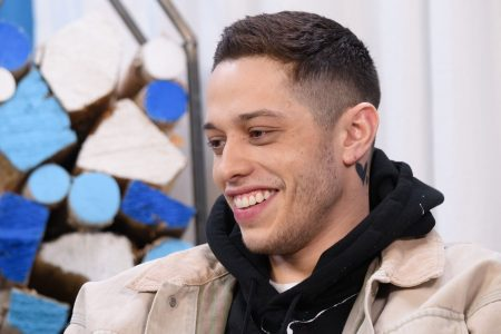 'SNL': Pete Davidson compares R. Kelly to the Catholic Church, addresses dating Kate Beckinsale – USA TODAY