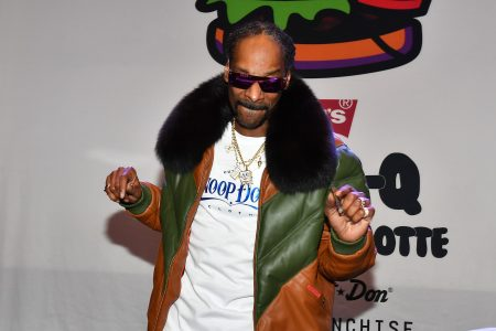 Snoop Dogg rips Lakers, calls for Luke Walton's firing and offers his box seats for $5 – USA TODAY