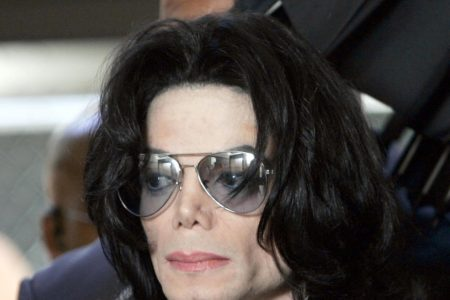 """Michael Jackson documentary """"Leaving Neverland"""" airs tonight on HBO, alleging King of Pop sexually abused two boys – CBS News"""
