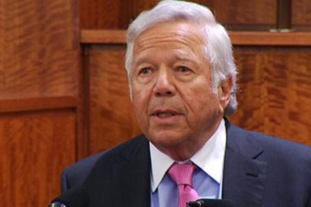 Robert Kraft, Patriots owner, pleads not guilty to charges of soliciting prostitution – CBS News