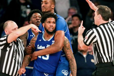 In Two Different Kinds of Battles, Seton Hall and Villanova Reach Final – The New York Times