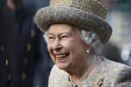 Queen Elizabeth Instagram: Queen Elizabeth posts on Instagram for the very first time – CBS News