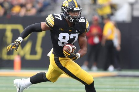 Iowa TE Noah Fant just ran a faster 40 than Davante Adams – Packers Wire